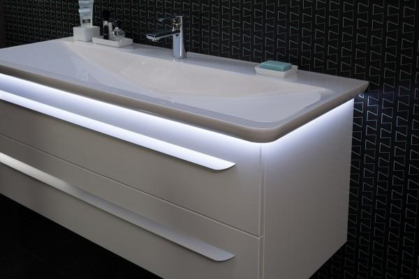 M9 Mineralguss-Waschtisch / 127cm mit LED von Lanzet